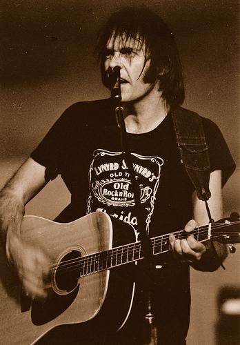 Neil-young-lynyrd-skynyrd-t-shirt