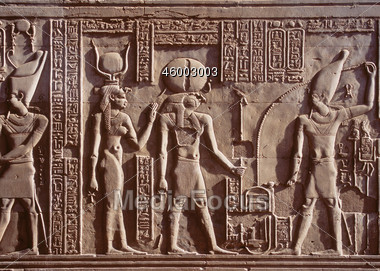 Egyptian-hieroglyphics-46003003